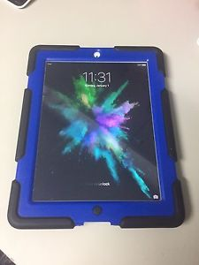 32 GB iPad 2 with armoured hard case