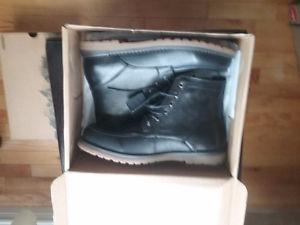 BRAND NEW MENS BOOTS LEATHER SIZE 11