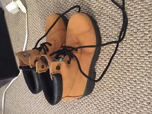 Ladies size 7 Dakota steel toe boots new condition