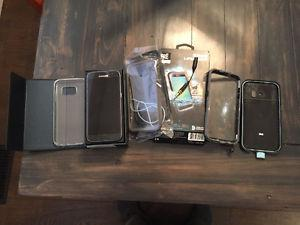 New Samsung galaxy s7 + 2 lifeproof cases and 1 clear case