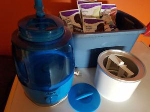 Deni Ice Cream Maker with 30 pkgs Mix $60 OBO