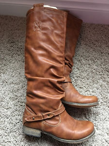 Ladies Womens Tall Boots from Aldo - Size 6 - Like new!