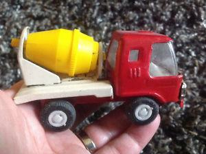 Vintage Tonka Red Cement Mixer Truck, yellow drum Pressed