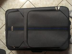 5 Piece Cambridge Luggage Set For Sale!