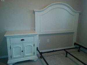 Bedroom Set Off-White (Brick)