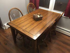 Kitchen table and chairs. (Solid wood)