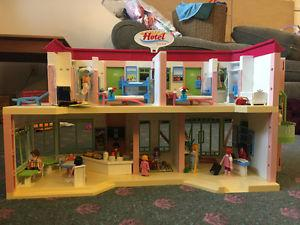 PlayMobile Hotel for sale - like new!