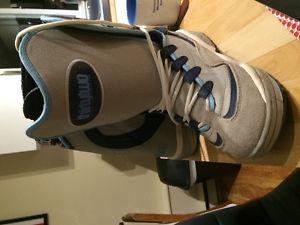 Size 9 never worn thirtytwo boots