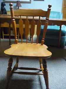 "4 Chairs Roxton Maplewood (matching Table 40"" round"