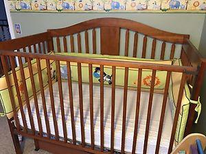 Convertible Baby Crib (3 in one) & Drawers