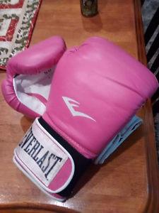 Pink everlast training gloves
