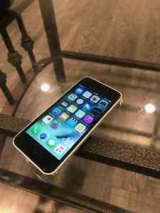 Apple iPhone 5C 32GB Unlocked $200