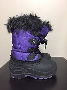 Kamik toddler size 9 boots - like new