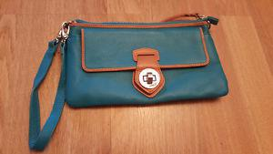 MOVING NEED GONE!BRAND NEW DANIER LEATHER WALLET $30 NOW $20