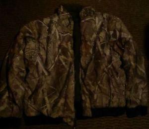 like new REMMINGTON realtree hardwoods jacket