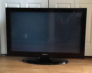 "42"" Samsung flatscreen TV"