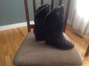 Ladies leather wedge boots never worn size 6