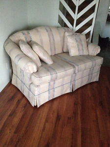 2 love seats for sale