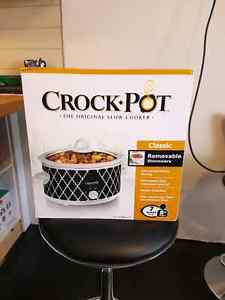 Brand New, Never Used, Crock Pot Slow Cooker