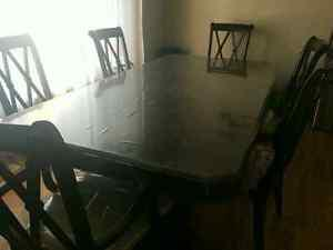 Cherry Oak Dining Table (Great Condition)