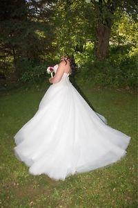 GORGEOUS Eddie K Milano Wedding dress