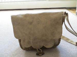 Like New - Ladies Billabong Satchel Style Handbag.