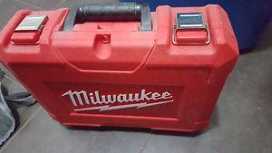 Milwaukee M12 VSR Drill/Driver Kit