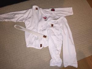 Kids karate gi, size 2 (age  approx)