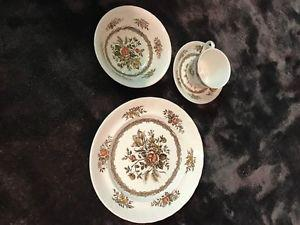 Rosedale wood & sons England 4 set of dishes