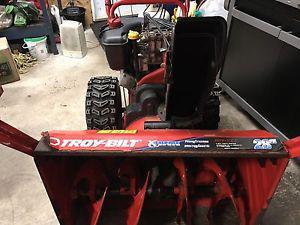 Troy-bilt 9 hp with 28 inch cut power steering and hand