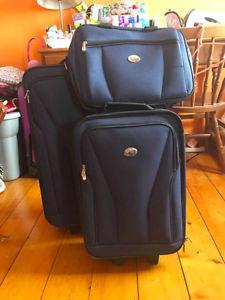 Wanted: 3 piece luggage set