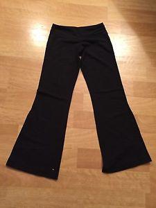 Wanted: Lululemon pants size 4