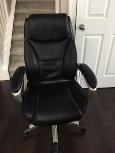 Black Leather Executive Computer Chair. Open to offers.