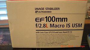 CANON EF 100mm f/2.8 L macro IS USM lens