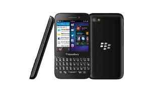 In good condition BlackBerry Q5 - UNLOCKED