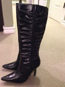 KNEE HIGH BOOTS BRAND NEW!! OBO