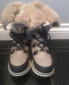 Ladies Sorel Winter Boots