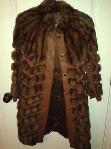 Manteau de fourrure/cuir (femme) – Fur/leather coat
