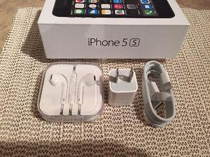 iPhone 5S box with brand new accessories