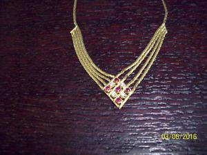 14K YELLOW GOLD DIAMOND AND RUBY NECKLACE. ESTATE SALE.