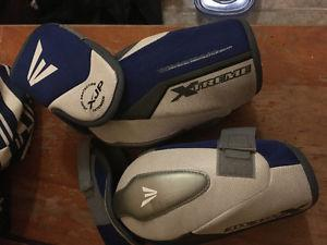 Easton elbow pads large(used once)