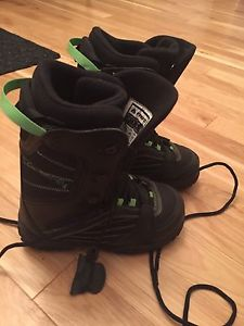 Firefly snowboards boots size 5