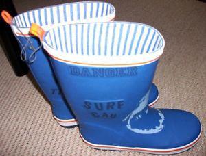 boys size 4 NEW rubber / rain boots