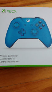 XBOX ONE CONTROLLER AND CHARGING PACK!!!!
