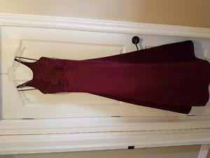 A wine colored gown for sale size 7/8