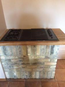 Amana Gas Grill/2 Burner Cooktop