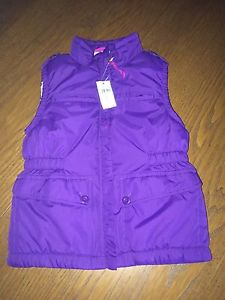 Brand new GAP girls puffer vest. Size small