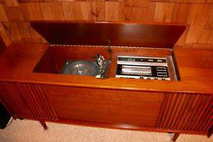 Dumont T-50 Solid State stereo and cabinet