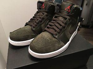 Brand new Men's Air Jordan 1 Mid 'Sequoia'