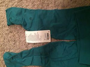 Brand new lulu lemon crop -tags attached
